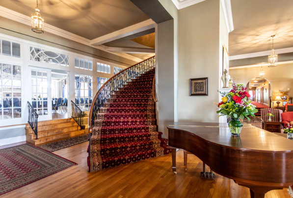 mimslyn inn staircase and piano