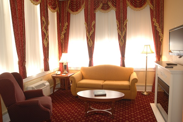Roosevelt Room with Couch