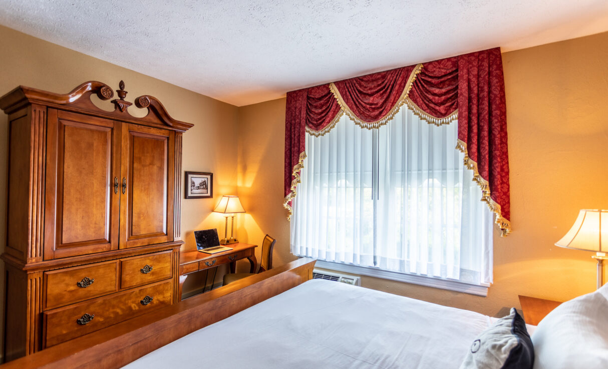 historic room with bed